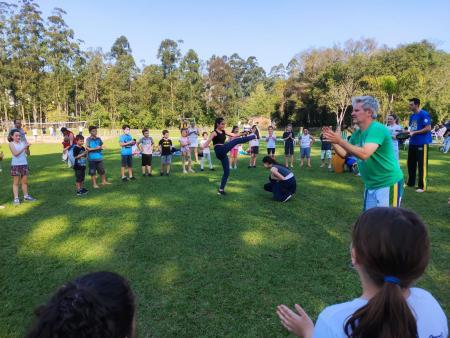 Projeto da Administração Municipal incentiva prática da capoeira nas escolas