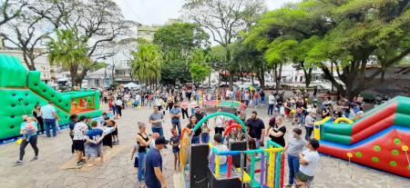 Diversão toma conta da Praça da Bandeira com a Festa das Crianças