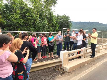 Sonho antigo dos moradores, passarela da ponte da Barra do Guaporé é inaugurada